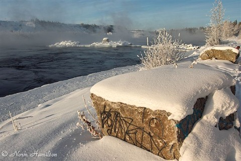 yukon_river_winter_rock1718web