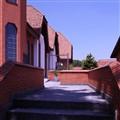 Igreja Bom Pastor, side entrance
