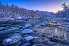 Kylmä joki kopio