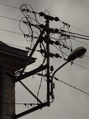 Electric current the French way