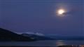 Luna sobre el canal Beagle