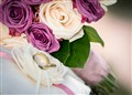 wedding_rings_with_flowers