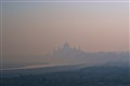Taj_Mahal_foggy_morning