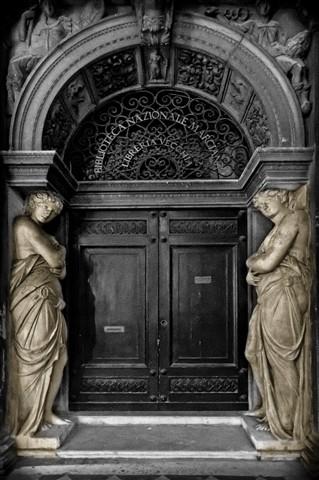 Door in Roma