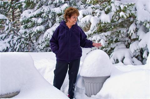 Fran & Snow1202_20890