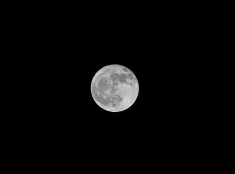 Moon 000001 DNG JPG