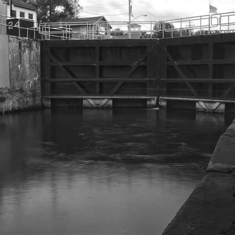 lock 53 hdr2BWcrop