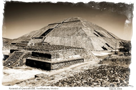 pyramid of quetzalcoatl teotihuacan