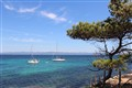 Surrounded by water (Porquerolles)