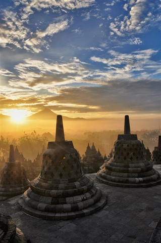 Sunrise over Borobudur 2