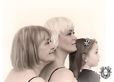 3 Generations Of Women. Mothers & Daugthers-Montreal Family Portrait Studio-HeraBell