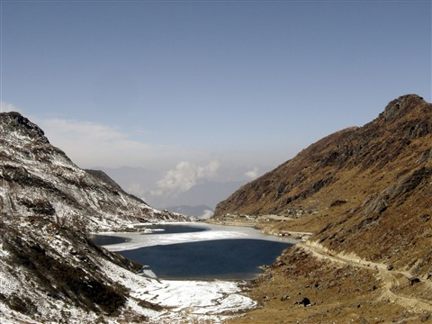 Tsongo Lake, India