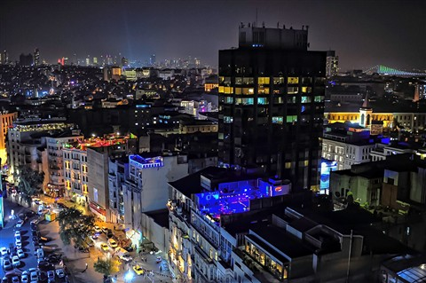 Istanbul-nighttime-rooftops