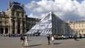 Louvre - evening queue