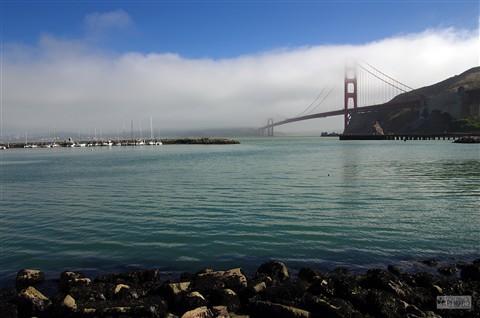 SF - Golden Gate Bridge in Fog_P3078_r