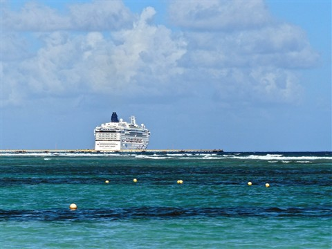 Cruise ship at Mahahual 91