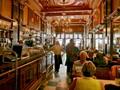 Brown café-restaurant