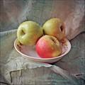 Fresh apples new crop