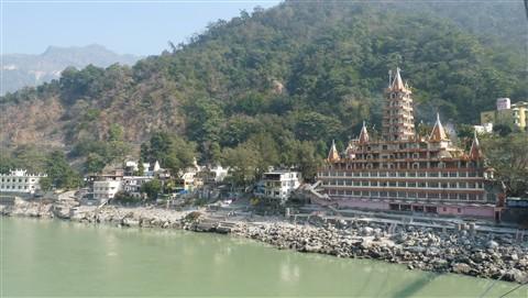 Trilokeswar temple on Ganga in Rishikesh, India