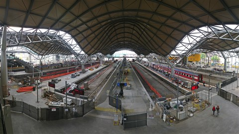 051127 Southern Cross Station 1600x900