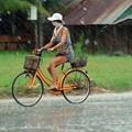 biker + rain = WET...!