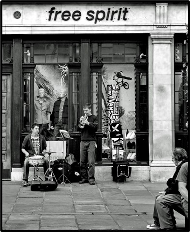 Busking in York 2.9.08.B+W