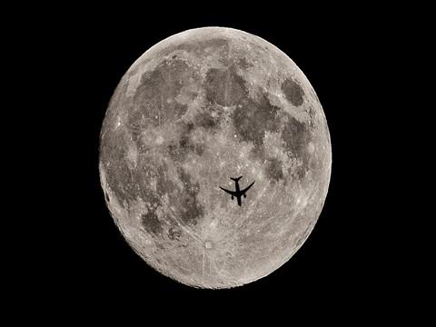 Full Moon & Jet 2