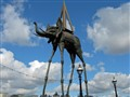 Dali's Giant Invading London