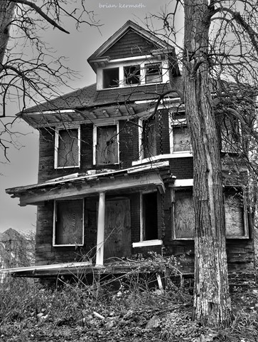 Decay in the inner city of Detroit, Michigan (black-and-white version)