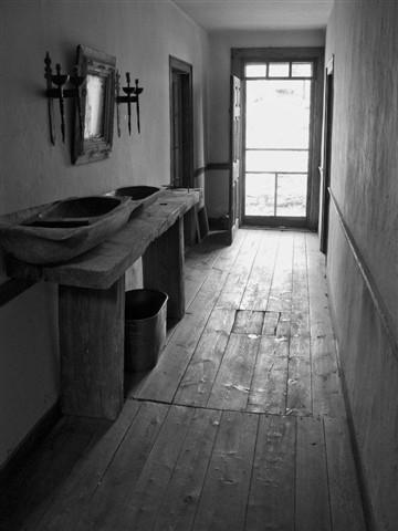 IMG_0509_B+W_Corridor Old Mill