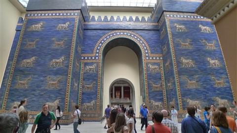 berlin pergamon museum ishtar gate from babylon p1050812 cyril